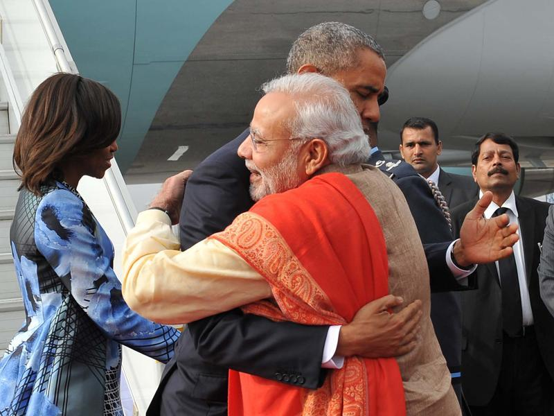 President Obama and his wife Michelle Obama are welcomed by Prime Minister Modi on their arrival in Delhi on January 25, 2015.  (PIB)
