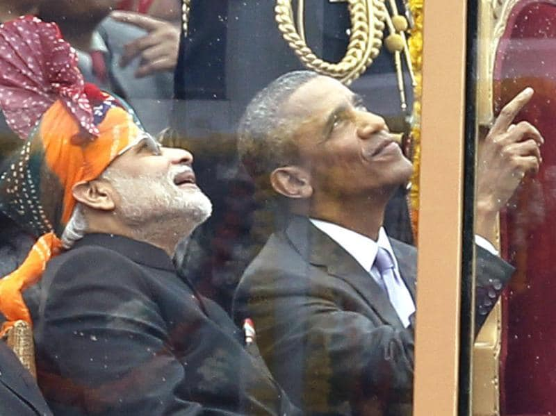 Obama and Modi watch Indian Air Force jets fly past during celebrations for India's 66th Republic Day in Delhi on January 26, 2015.  (Ajay Aggarwal/HT Photo)