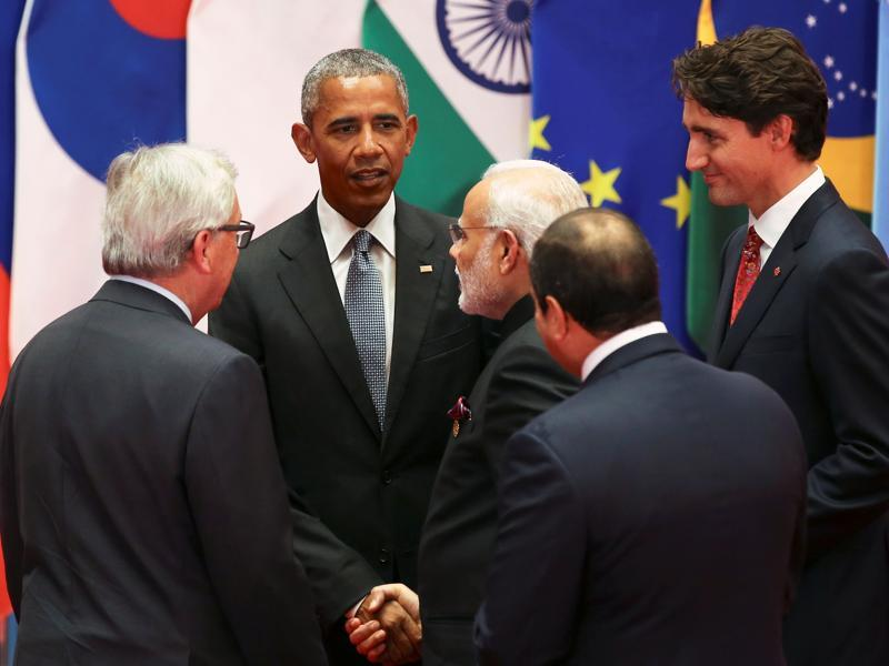 Obama talks to Canadian prime minister Justin Trudeau, Modi and European Commission President Jean-Claude Juncker during the G20 Summit in Hangzhou, Zhejiang province, China September 4, 2016.  (REUTERS)