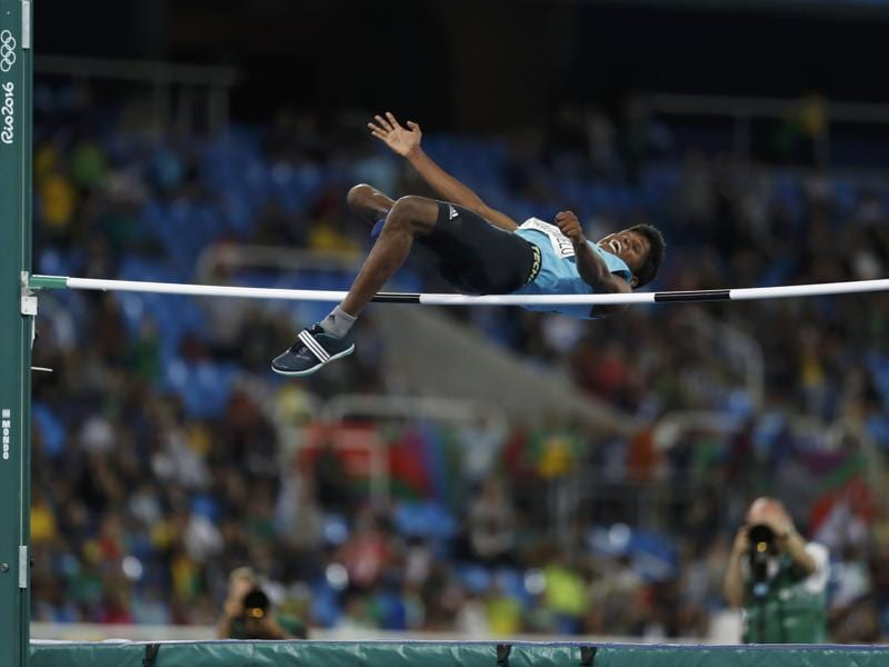 Mariyappan Thangavelu competes on his way to winning gold. (REUTERS)