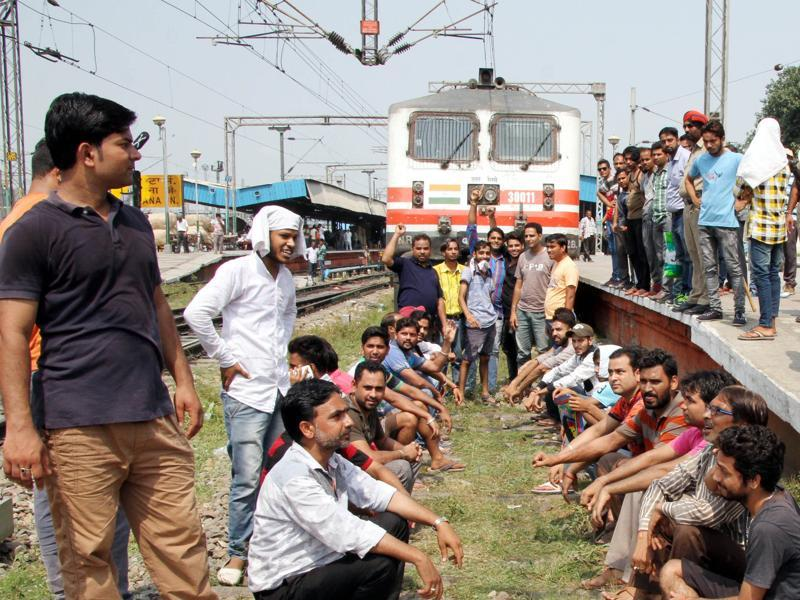 The protesters also stopped three trains at Ludhiana railway station for more than four hours. (JS Grewal/HT Photo )