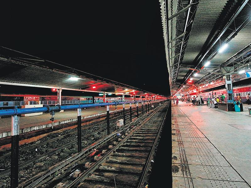 ON FAST TRACK: Among the cleanest in the country, the Chandigarh railway station is on track to becoming a smarter one. It symbolises the spirit of progress and is the city's link with the national capital. (Photo: Varesh Chaudhary)