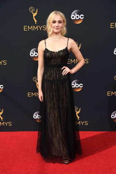 LOS ANGELES, CA - SEPTEMBER 18: Actress Sophie Turner attends the 68th Annual Primetime Emmy Awards at Microsoft Theater on September 18, 2016 in Los Angeles, California. Frazer Harrison/Getty Images/AFP == FOR NEWSPAPERS, INTERNET, TELCOS & TELEVISION USE ONLY == (AFP)