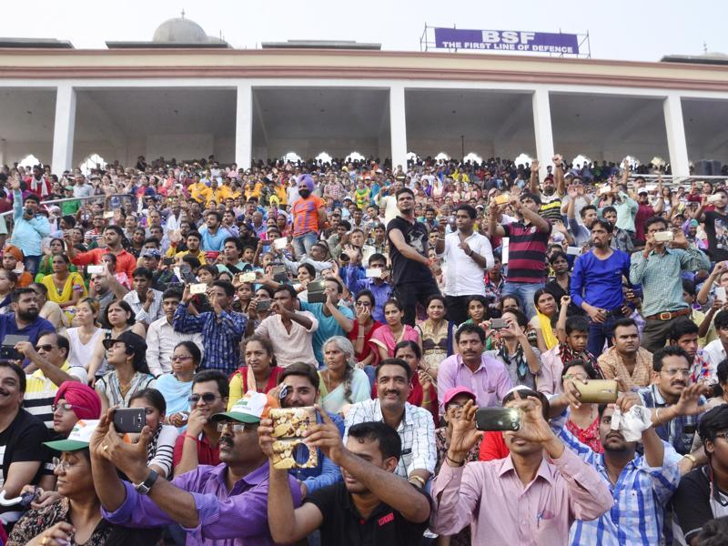 Despite security enhancement, the attendance was so big that the galleries ran short of space.)  (Sameer Sehgal/HT Photo)