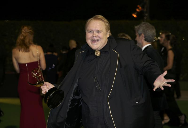 Actor Louie Anderson poses with his award for Best Supporting Actor in a Comedy Series for Baskets at the Governors Ball after the 68th Primetime Emmy Awards. (REUTERS)