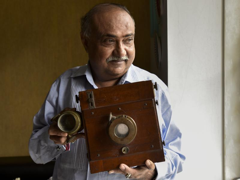 Dilish Parekh's prized  vintage Daguerreotype plate camera circa 1890 which used one of the world's first commercially viable photographic process. (Kunal Patil/Hindustan Times)