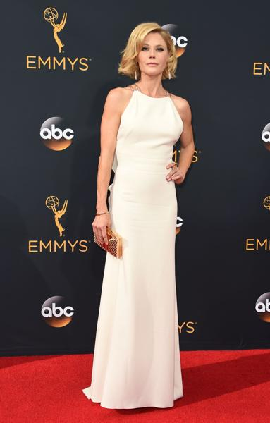 Actress Julie Bowen arrives for the 68th Emmy Awards on September 18 at the Microsoft Theatre in Los Angeles. (AFP)