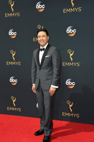 Actor Randall Parks arrives for the 68th Emmy Awards on September 18, 2016 at the Microsoft Theatre in Los Angeles. / AFP PHOTO / Robyn Beck (AFP)