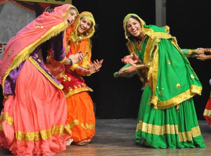 Students perform giddha on the sixth day of the zonal youth festival at Guru Nanak Dev University in Amritsar on Thursday. (HT Photo)