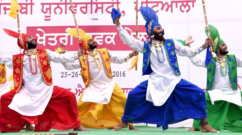 Students perform bhangra on the concluding of a youth festival on the campus of Aryans Group of Colleges in Rajpura, Patiala. (Bharat Bhushan/HT Photo)