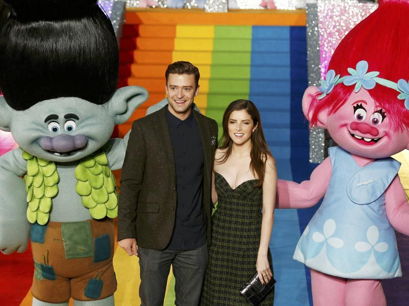 Justin Timberlake and Anna Kendrick attend a photocall to promote the film Trolls at the London Eye, in London, Britain. (REUTERS)