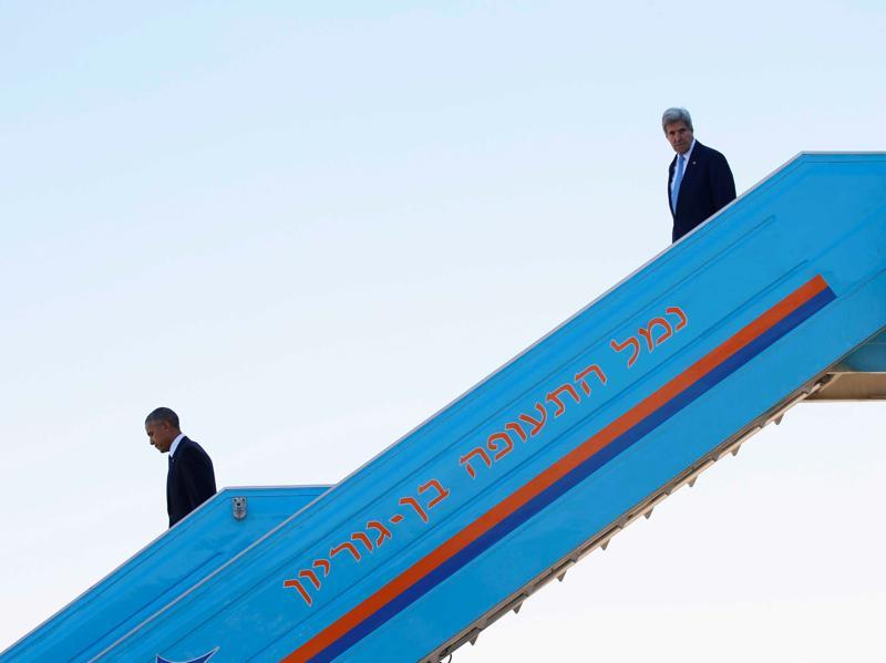 US President Barack Obama (left) and US secretary of state John Kerry disembark Air Force One upon landing at Israel's Ben Gurion International airport to attend the funeral of former Israeli President Shimon Peres, in Lod, Israel.  (Reuters Photo)