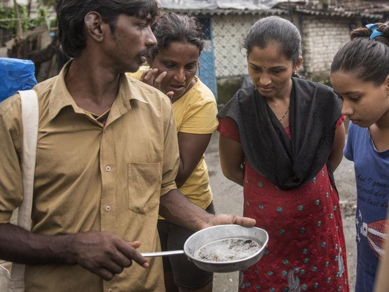 An inspection in September found 1,828 mosquito breeding spots in slum areas, but four times as many homes in non-slum areas and high-rises had mosquitoes breeding. (Satish Bate/HT PHOTO)