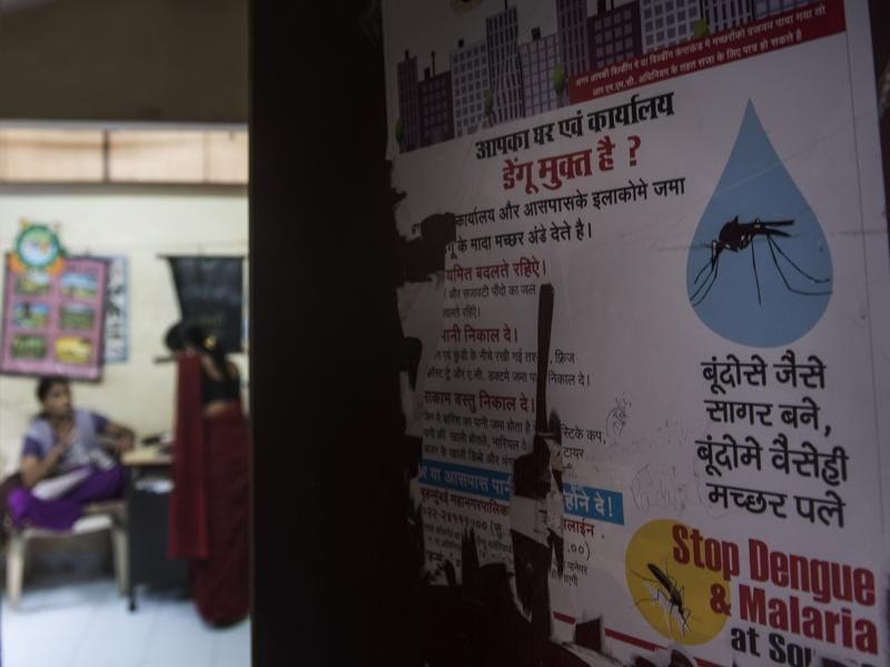 To reduce the number of dengue cases in Mumbai, civic staff have been trying to raise awareness about the disease through posters. (Satish Bate/HT PHOTO)