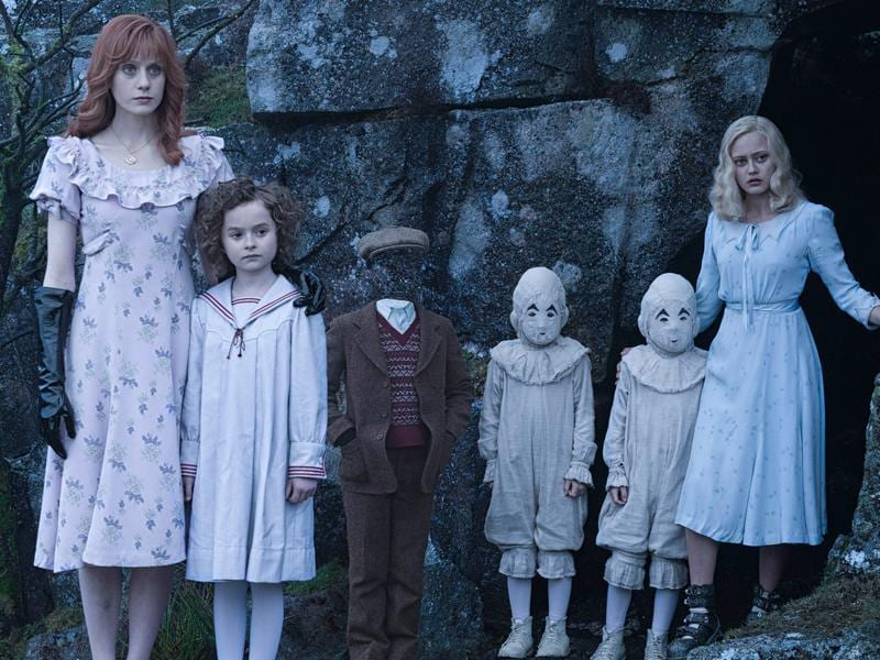 When Jacob discovers clues to a mystery that stretches across time, he finds Miss Peregrine's Home for Peculiar Children. But the danger deepens after he gets to know the residents and learns about their special powers. Directed by Tim Burton.