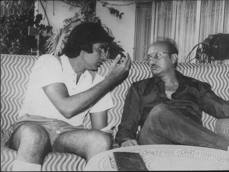 Manmohan Desai with Amitabh Bachchan. They have done many hit films together. (HT Archives)
