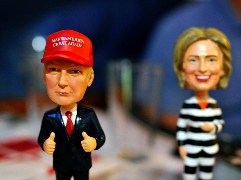Bobble head figurines of Republican presidential nominee Donald Trump and Democratic presidential nominee Hillary Clinton. (AFP Photo)