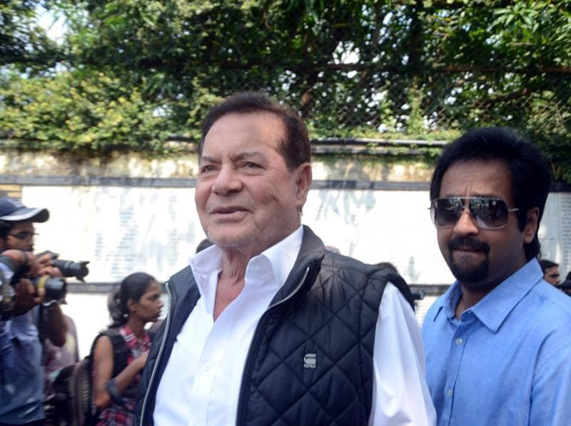 Salim Khan during the funeral of Shilpa Shetty's father Surendra Shetty. (IANS Photo)