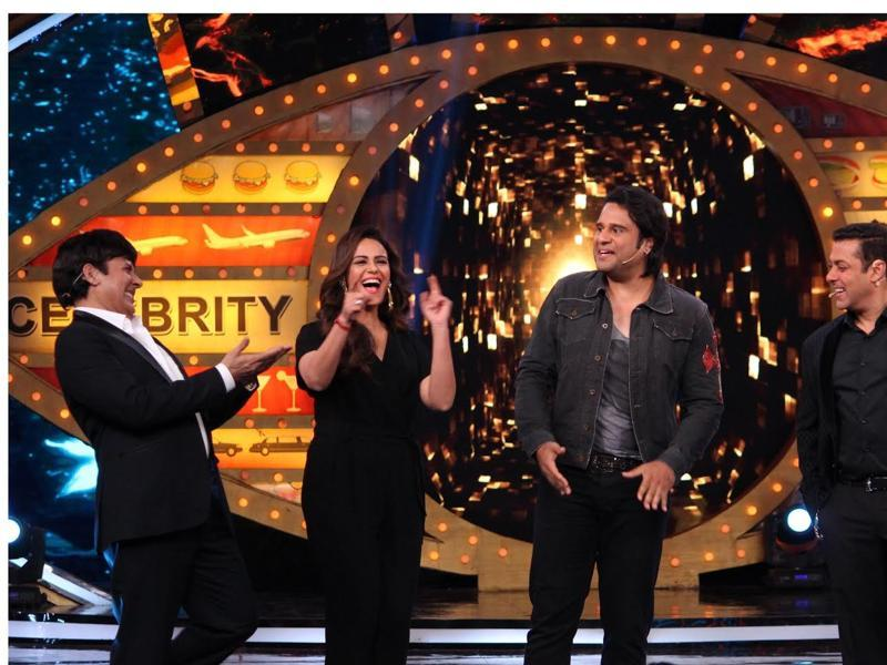 Mona Singh and Sudesh try their gigs on Salman.