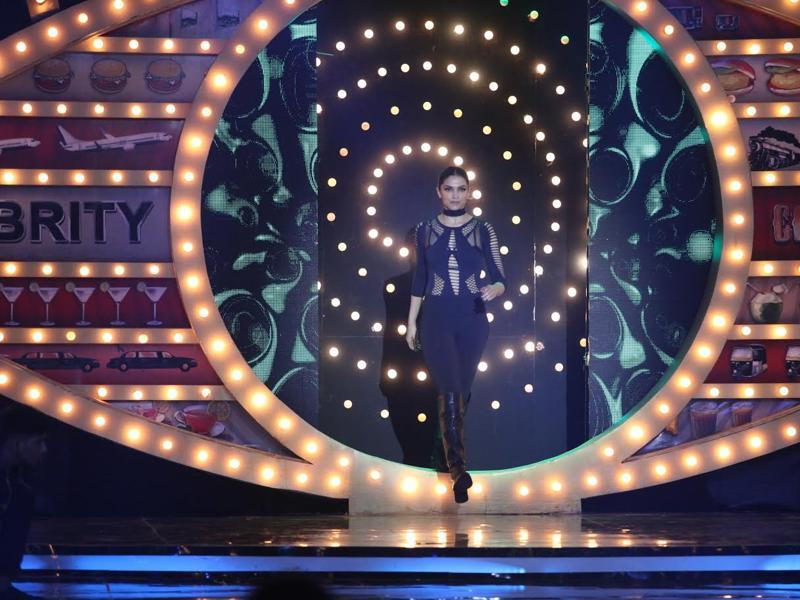 Deepika Padukone makes her grand entry on Bigg Boss 10 stage. (COLORS)