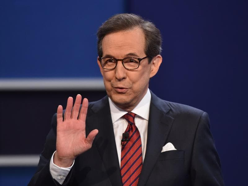 Debate moderator Chris Wallace speaks prior to the third and final US presidential debate between Democratic nominee Hillary Clinton and Republican nominee Donald Trump at the Thomas & Mack Center. (AFP Photo)