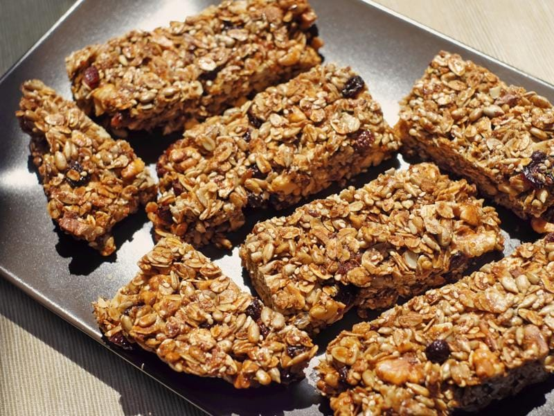 Organic health nut bars: They are rich in dry fruits like walnuts, almonds, pistachios, sunflower seeds and raisins. (Shutterstock)