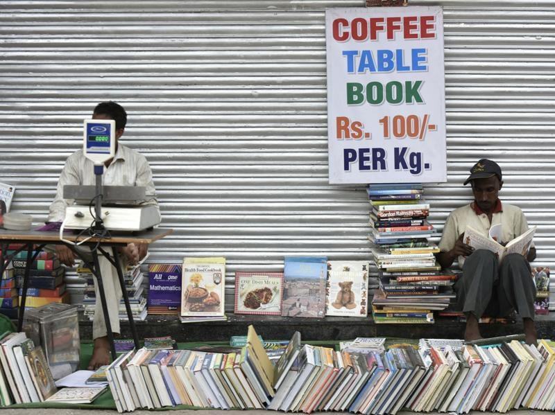 Coffee table books are sold at dirt cheap prices, making the Sunday bazaar  a collectors' paradise.  (Vipin Kumar/HT PHOTO)