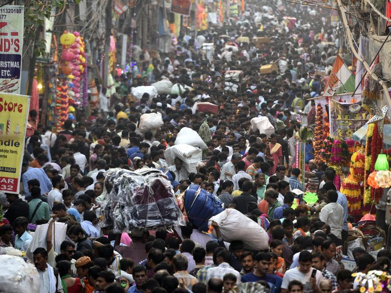 Heavy rush at Sadar Bazaar as people shop for Diwali on Thursday. (Sonu Mehta/HT PHOTO)