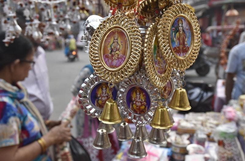 Diwali gifts and decorations on display in Amritsar on Friday. (Gurpreet Singh/HT Photo)