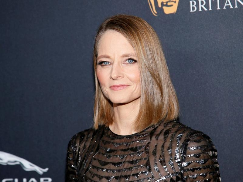 Stanley Kubrick Britannia Award for Excellence in Film honoree Jodie Foster poses at the British Academy of Film and Television Arts (BAFTA) Los Angeles' Britannia Awards in Beverly Hills, California. (REUTERS)