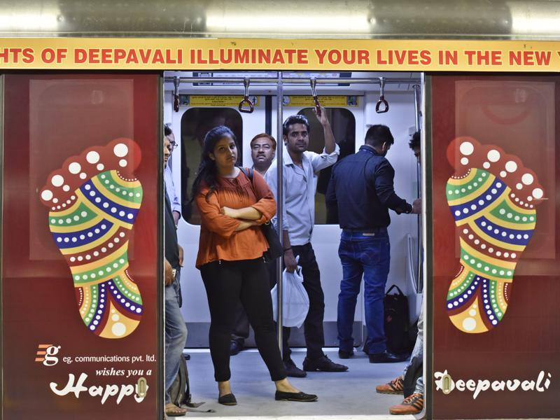 A train running on the Delhi Metro's Violet Line decorated on the eve of Diwali. (Sanjeev Verma/HT Photo)