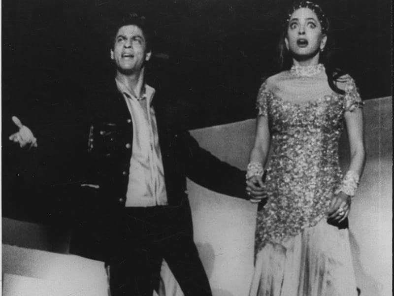 Shah Rukh Khan and Juhi Chawla at the Lux Zee Cine Awards in Mumbai. (HT Archives)