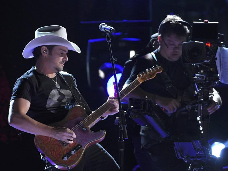 Brad Paisley performs Today at the 50th Annual Country Music Association Awards. (REUTERS)