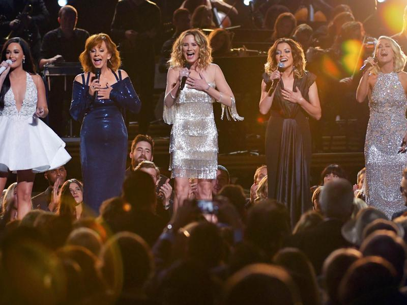 Singers Kacey Musgraves, Reba McEntire, Jennifer Nettles, Martina McBride and Carrie Underwood perform I Will Always Love You during the Lifetime Achievement Award segment honouring Dolly Parton at the 50th Annual Country Music Association Awards. (REUTERS)
