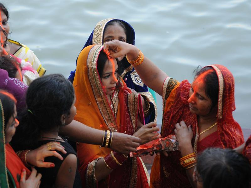 This year, there has been a surge in the release of Chhath song records. The musicians range from the established to the up-and-coming.  (Subhankar Chakraborty/HT PHOTO)