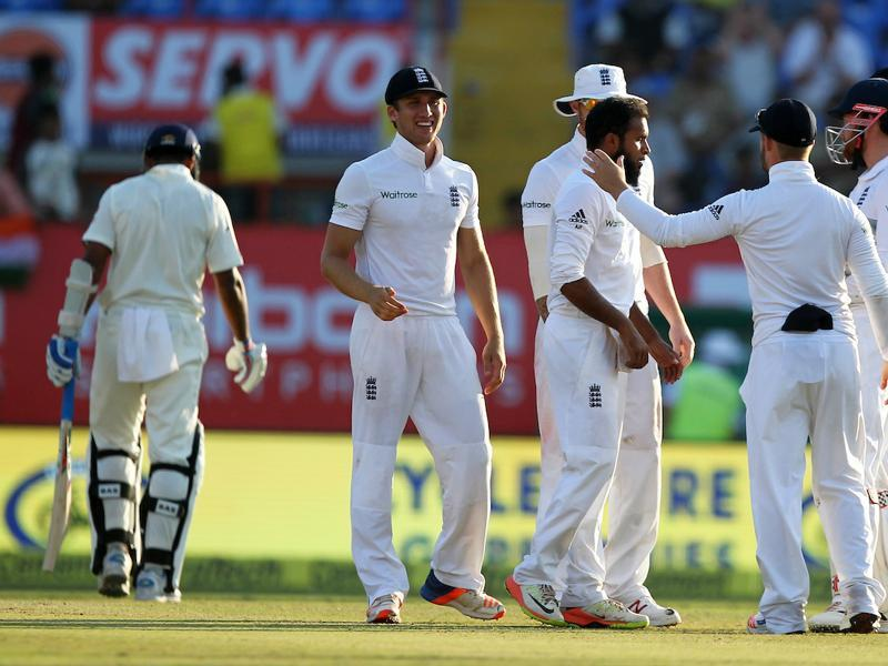 Towards the end of the day, England had something to show as they dismissed Vijay for 126 and Amit Mishra for 0. India ended day 3 on 319/4, still trailing England by 218 runs. (BCCI)