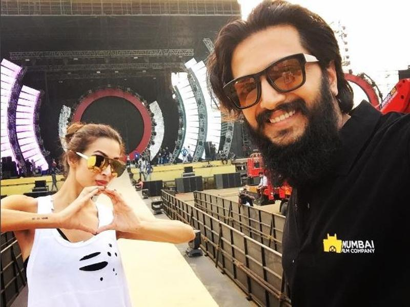 Riteish Deshmukh and Malaika Arora at the venue. (Instagram)