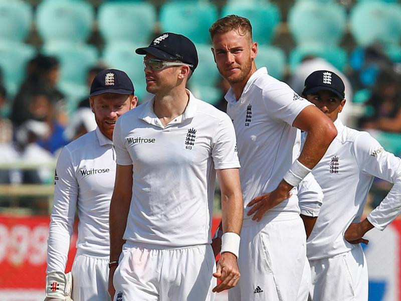 Stuart Broad bowled with pace and accuracy to pick up four wickets as England looked to restrict India's lead. (REUTERS)