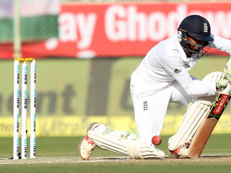Haseeb Hameed's defence was drawing comparisons with former England batting great Geoff Boycott. (BCCI)