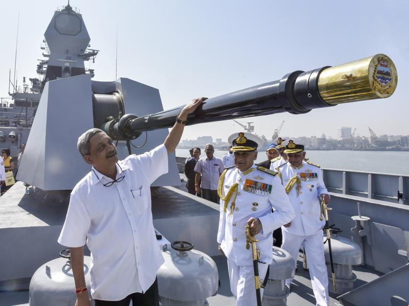 Defence minister Manohar Parrikar during the commissioning of the new warship.  (kunal patil/ht)