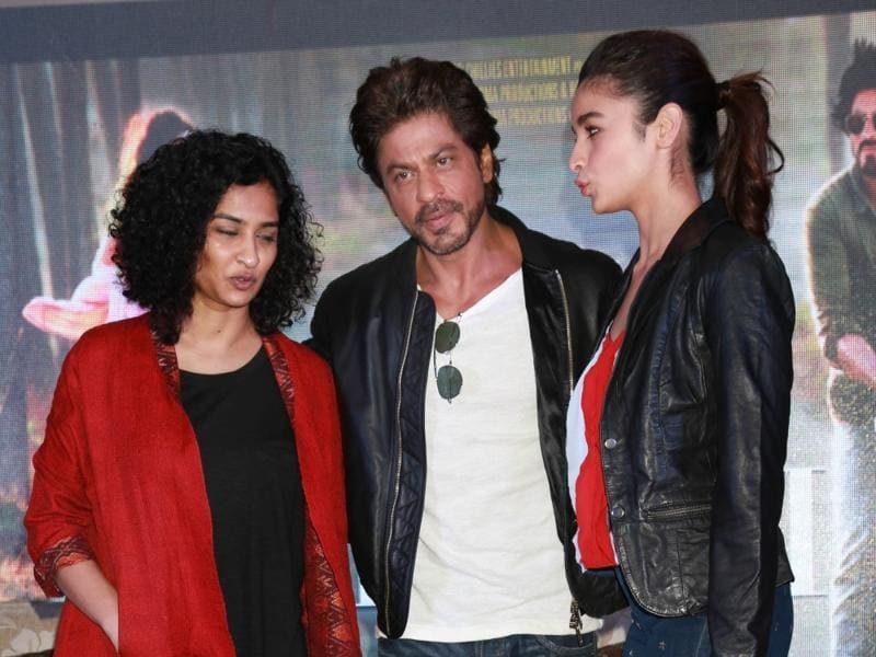Actors Shah Rukh Khan, Alia Bhatt and filmmaker Gauri Shinde during a press conference to promote Dear Zindagi in Gurgaon. (IANS)