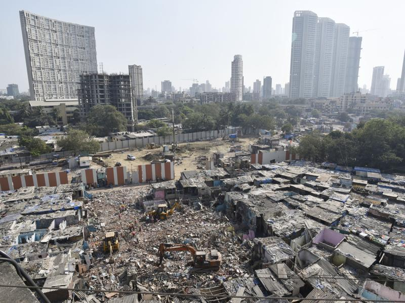 It's time for a revamp of Dhobi Ghat: One of the largest open laundries in the world and a Mumbai tourist attraction, Mahalaxmi Dhobi Ghat  is all set for a sea change via redevelopment.  (Anshuman Poyrekar/HT PHOTO)