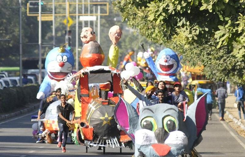 Students take part in a parade during Chandigarh Carnival-2016 at Leisure Valley, Sector-10, Chandigarh on Friday, November 25, 2016. (Karun Sharma/ Hindustan times)