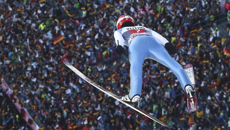 Stephan Leyhe soars through the air during a ski jumping tournament trial round in Germany's Oberstdorf on December 30, 2016.  (Michael Dalder  / REUTERS)