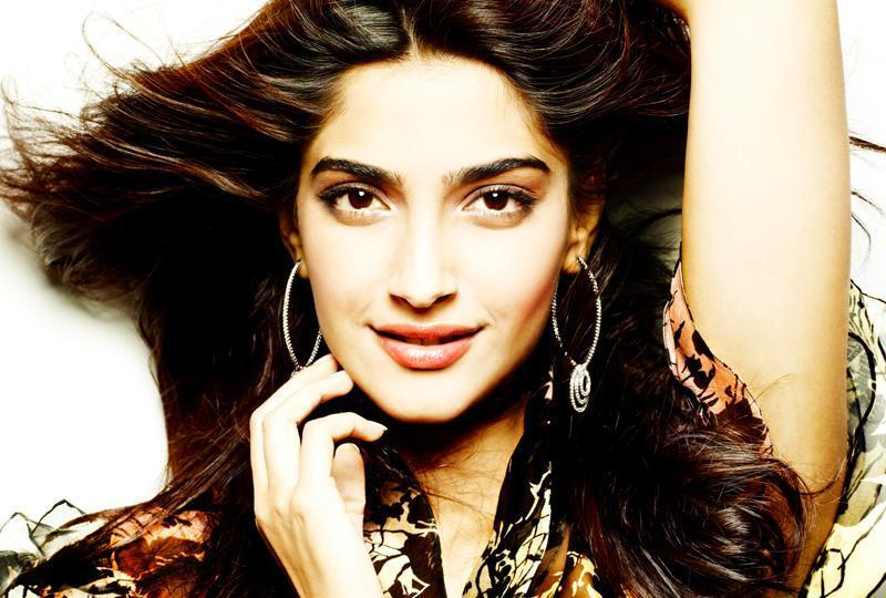 Actress Sonam Kapoor: I don't like men who treat women like arm candies. He should treat me like an equal or better.  (Twitter)