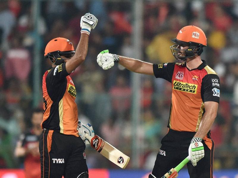 Ben Cutting, right, with Bhuvneshwar Kuar during the death overs of Sunrisers' batting. (PTI)