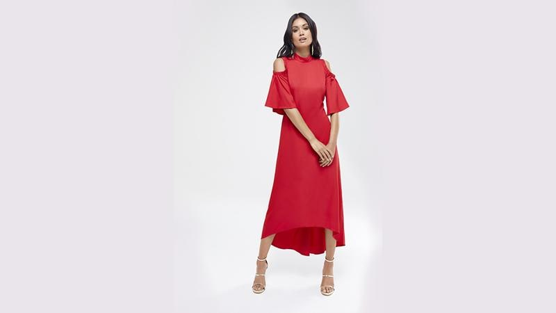 Looking to stand out? An elegant evening gown is all you need. (KOOVS.COM)