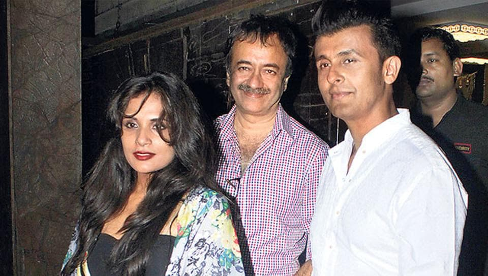 Sonu Nigam with his friends from the film industry on his birthday.