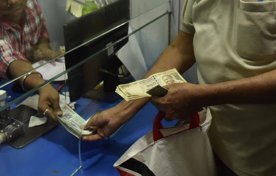 There has been increasing incidents in the National Capital Region of conmen using demonetisation as an opportunity to dupe people by making them disclose their ATM/credit card details on phone.