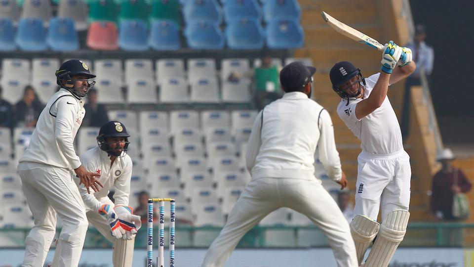 Jos Buttler slammed a four and a six off Jadeja as he looked to turn the momentum. (Photo by: Deepak Malik/ BCCI/ SPORTZPICS)